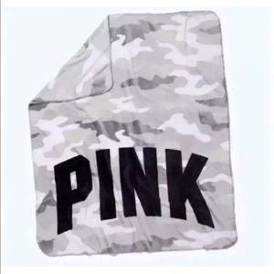 NWT grey camo PINK blanket! Super soft